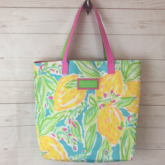 Lilly Pulitzer Handbags - Lilly Pulitzer for Estée Lauder Floral Tote bag
